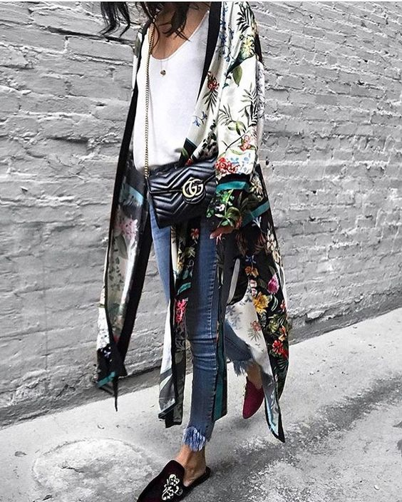 Tropical print kimono over white T-shirt and slim jeans. Perfect for chilled summer evenings.