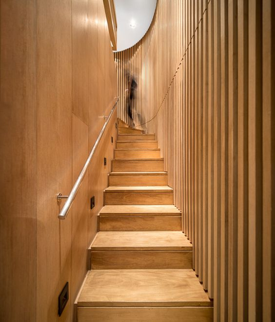 Mistral / Studio Arthur Casas @studioarthurcas