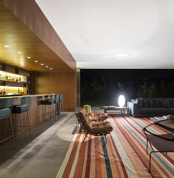 Located in Porto Feliz, Sao Paulo, Brazil where the climate is hot almost every day of the year, the Lee House by Studio MK27 - Marcio Kogan + Eduardo Glycerio...