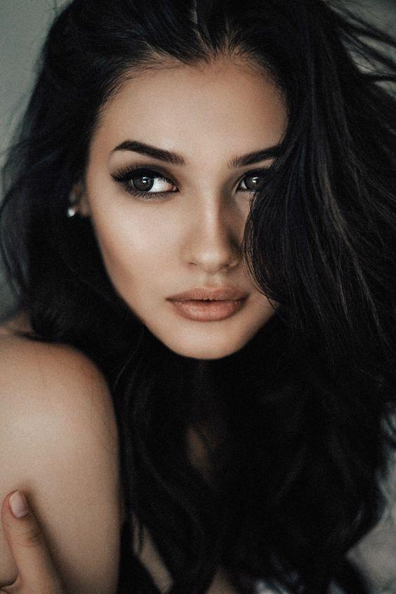 Mrs Black N White Brunette Beauty Brown Eyes Black Hair Beautiful Eyes