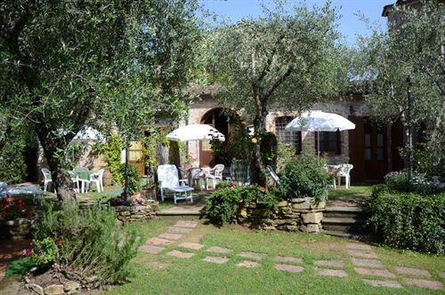 Ferienhaus In Der Toskana Fur 4 Personen Mit Pool Cottage Garten Bluhende Pflanzen Gartendesign Ideen