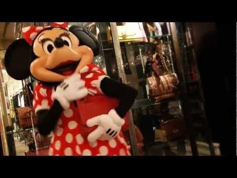 Alber Elbaz et Lanvin créent une robe pour Minnie