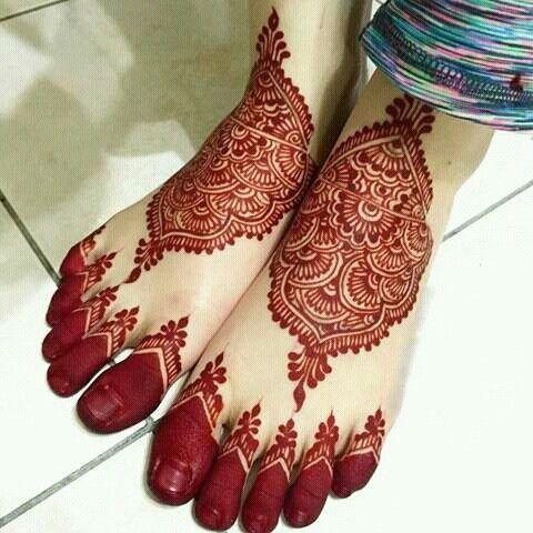 stylish arabic mehndi designs for legs