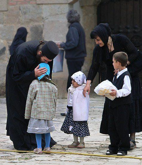 Αποτέλεσμα εικόνας για orthodox priest and children