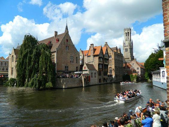 Bruges - Passeio de Barco || #belgica #bruges #europa #barco #passeio #rio #cidade #antiga #viagem #belgium #river #boat #europe