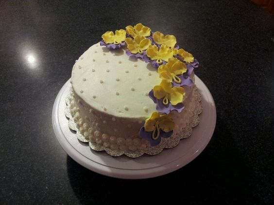 My first cake that I decorated ;)