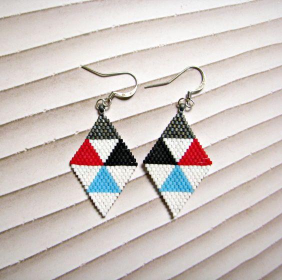 Boucles d'oreilles losange en perles delicas Miyuki à motifs triangulaires