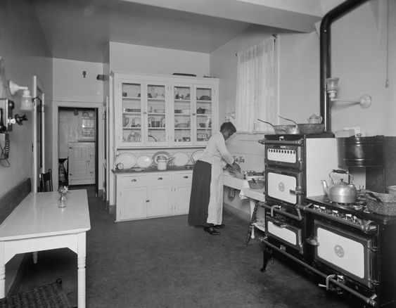 Early 1900s kitchen big open tall ceiling spare for Kitchen ideas for 1920s house