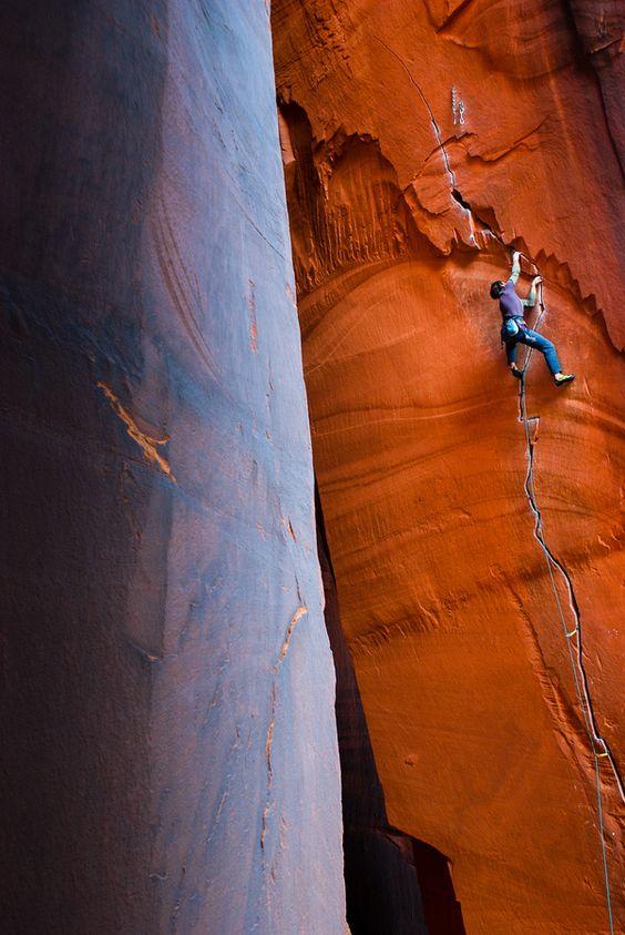 ♂ Outdoor adventure rock climbing Indian Creek Utah -Anunnaki 5.11c by Ryan Alonzo