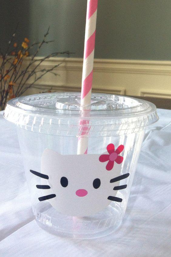 Vasitos de Hello Kitty.                                                                                                                                                      Más