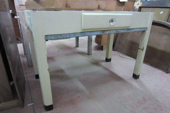 Sotto di tavolo x marmo da cucina vecchio con spianatoia for Tavolo legno vecchio cucina