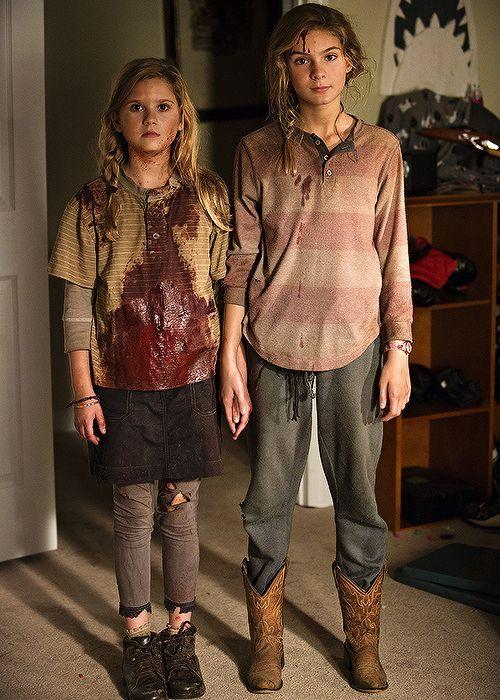Lizzie y Mika Samuels  04de763e33d8d71eb480141f7dde8b7f
