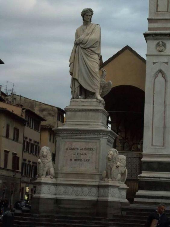 Estatua de Dante Alighieri, Basílica de la Santa Croce