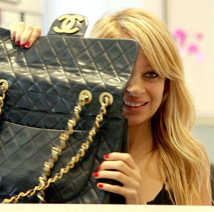 Nicole Richie LOVES Chanel handbags | Chanel JUMBO