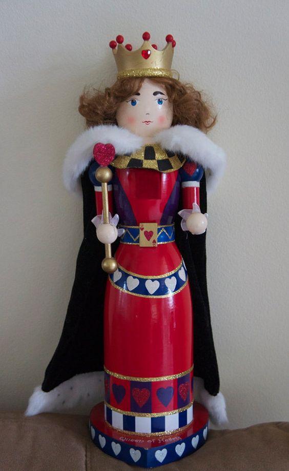 Vintage Queen of Hearts Nutcracker 18