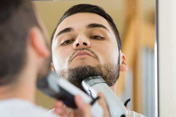 ***¿Cómo afeitar una barba abundante?*** Las semanas pasaron y cuando quisiste acordar, tu barba parece la de un náufrago: el afeitado no va a ser sencillo....SIGUE LEYENDO EN..... http://comohacerpara.com/afeitar-una-barba-abundante_7740b.html