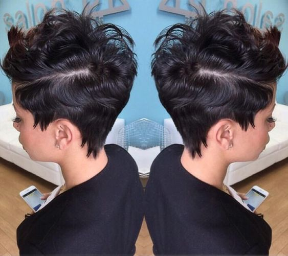 The side view of this cut is so dope via @pekelariley of @salonpk  #pixiecut #sidepart #dopestyle #JacksonvilleStylist #shorthair #stunner #TCLHS #thecutlife