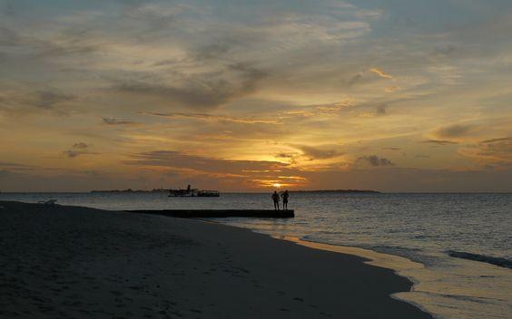 Maldives sunrise, Meedhupparu