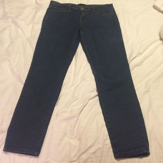Skinny jeans Dark skinny jeans from forever21. Price is flexible! Forever 21 Pants