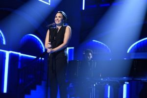 Demi performs Stone Cold on SNL