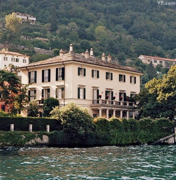 Lake como george clooney and villas on pinterest for Lake house in italian