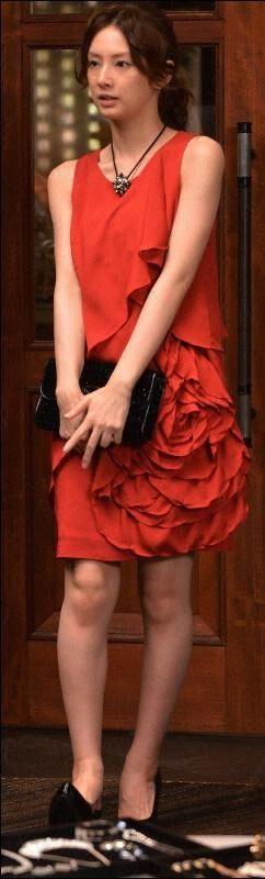 赤いドレスの北川景子