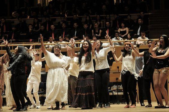 Corais comemoram Dia da Música com flash mob no Parque da Vila
