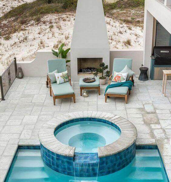 İnsanlar Jakuzi Tasarımı Ile Iyi Bir Yüzme Havuzu Arıyorlar Sonuçta Neden Hem Eğlence Alanlarını Tek Bir Ye Pool Houses Swimming Pools Backyard Backyard Pool