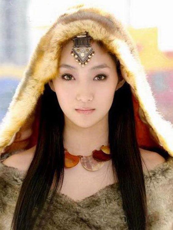 Stunning Yakutian woman, Yakutistan:
