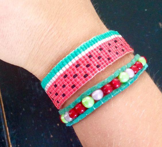 """Un bracelet façon """" hipanema"""" dans le thème pastèque ! 🍉"""