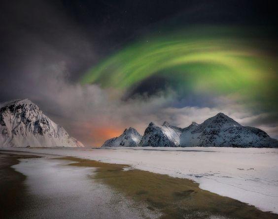 Northern Lights Lofoten by Ignacio Palacios on 500px Beautiful Auroras in Lofoten Island, Norway.