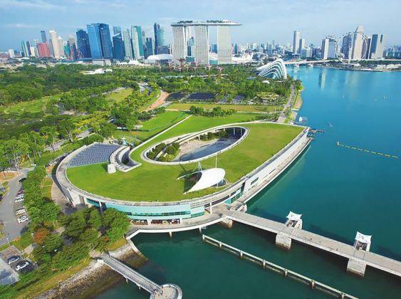 Marina Barrage - Greenroofs.com