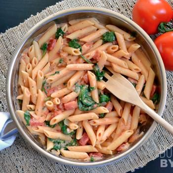 Creamy Tomato & Spinach Pasta - Could be made with gluten free pasta.  This would be delicious with Food For Life's Sprouted Whole Grain Penne Pasta! #foodforlifebakingcompany