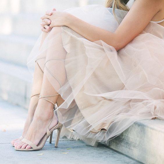 Space 46 tulle, champagne beige tulle skirt, petite blogger, ballerina photoshoot, Steve Madden Presidnt, neutral outfit