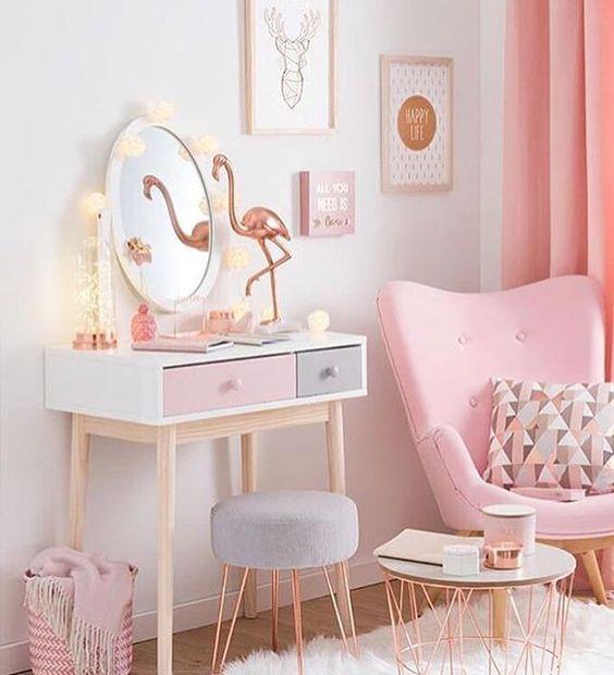 O que falar desse cantinho maravilhoso? www.eutambemdecoro.com.br  Por: Maison du Monde  #design #designdeinteriores #inspiration #inspiração #quarto #cantinho #flamingo #lindeza #decoro #decora #decoracao #decor: