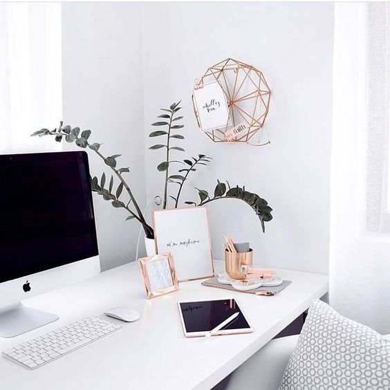 Décoration féminine et simple en or rose #decoration #feminine #simple Chambre Scandinave