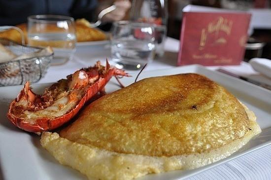 Hacen falta pocas excusas para viajar al Mont Saint Michel de Francia. Turismo gastronómico: las tortillas del Mont Saint-Michel