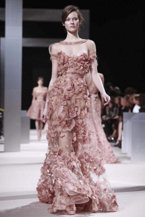 Elie Saabs haute couture är fantastisk.
