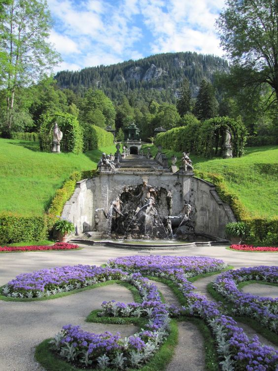 Castle Linderhof - #Germany - by @alumbricus