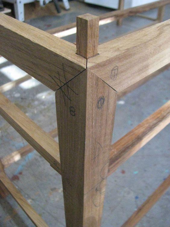 Garrett Glaser Builds Furniture : Photo