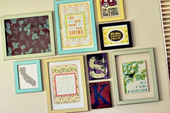 love the collection of different prints & frames...must find a spot in my house to do the same!