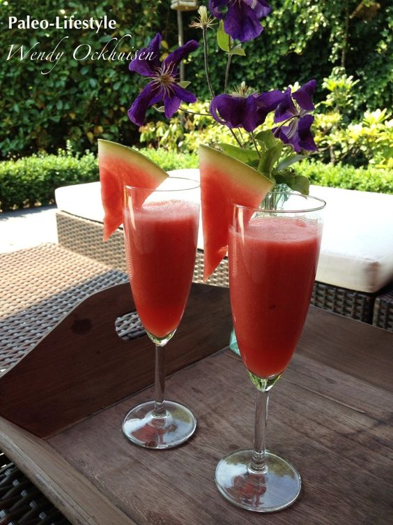 Alcoholvrij aperitief van watermeloen en aardbei