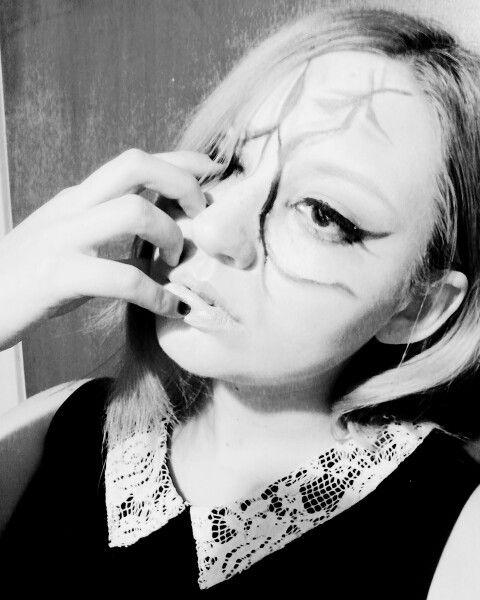 Otra foto de mis practicas de maquillaje para #halloween gracias a mi modelo favorita :) #sephoraselfie