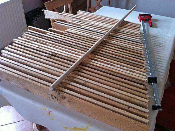 Sapin de no l en bois de palette no l creatif pinterest no l - Planche de palette bois ...