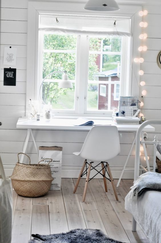 Natural light perfect for sewing dark colours | Workspace | Home Office Details | Ideas for #homeoffice | Interior Design | Decoration | Organization | Architecture | White Desk | Chair: