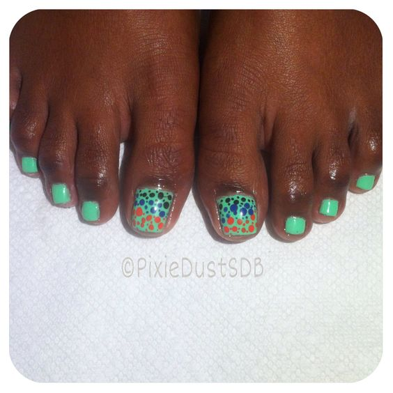 Polka Dot Toes. #toeart #Polkadots #dotticure #nails #nailart