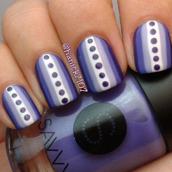 Strip & Dot Nails