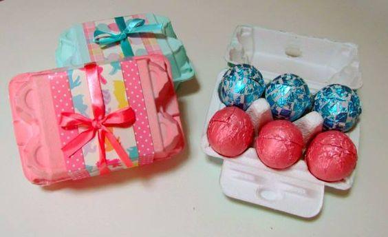 Caixas com mini ovos rechados. http://docesdcoracao.wix.com/docesdcoracao
