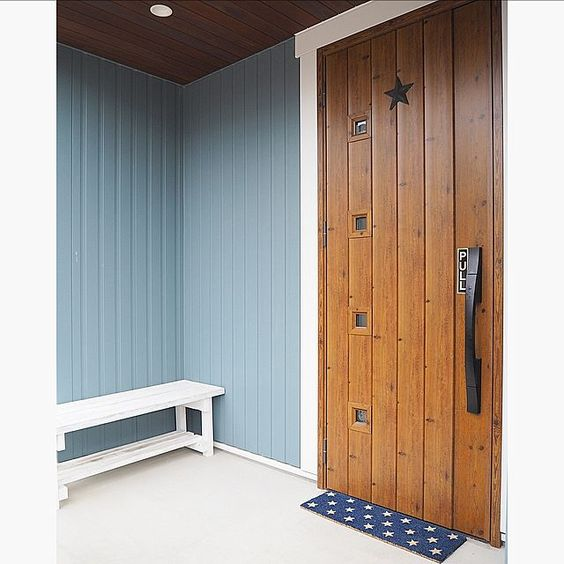 Lixil玄関ドアのインテリア実例 Roomclip ルームクリップ Lixil玄関ドアの人気の写真 Roomno 1947708 小さな家の外観 玄関ドア 玄関
