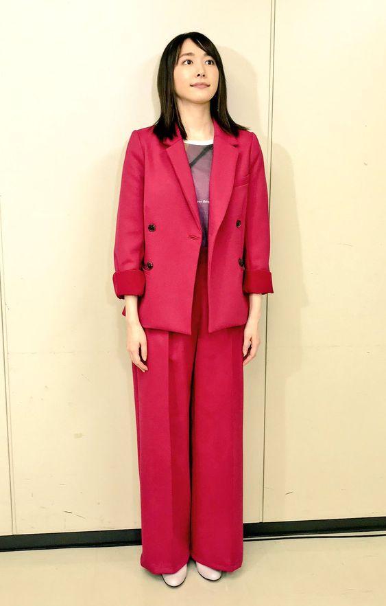 ピンクセットアップの新垣結衣
